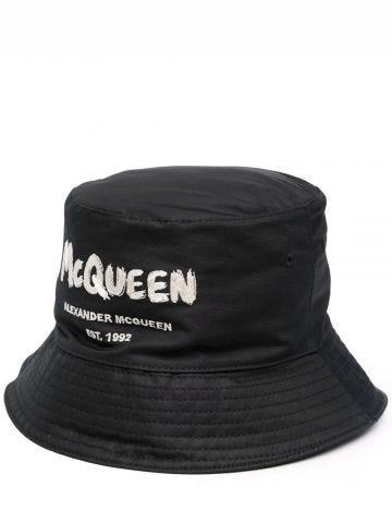 Cappello bucket McQueen Graffiti nero