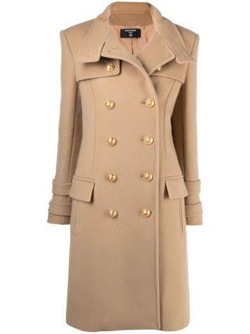 Cappotto doppiopetto lungo beige in lana e cashmere con bottoni dorati