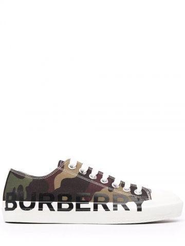 Sneakers stringate con logo verde