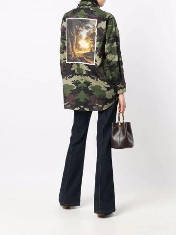 Green photograph-print camouflage-pattern shirt