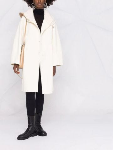 Cappotto bianco con collo a coste
