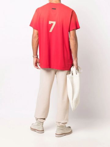 T-shirt rossa con stampa 7