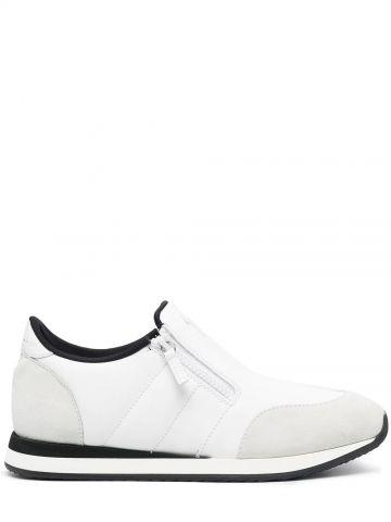 White Runner sneakers