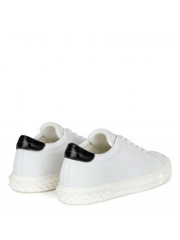 White low-top Blabber sneakers