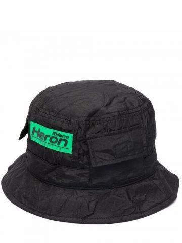 Cappello nero con logo