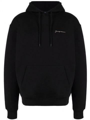 Le sweatshirt brodé nera