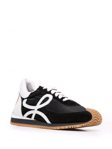 Black Flow runner sneakers