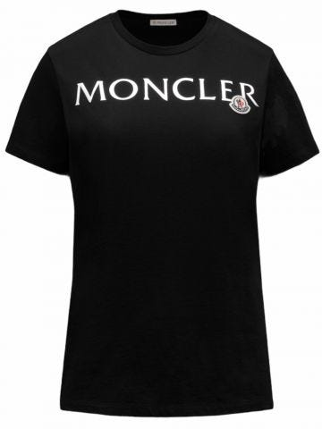 Black T-shirt with 3D graphic