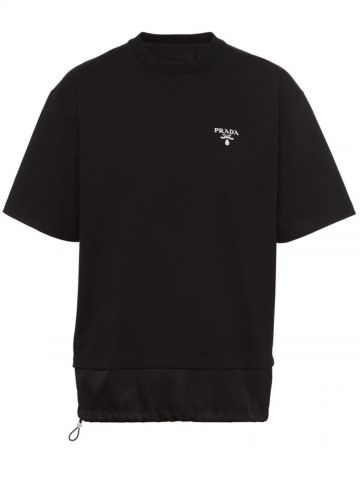 Black T-shirt with contrasting trim and logo
