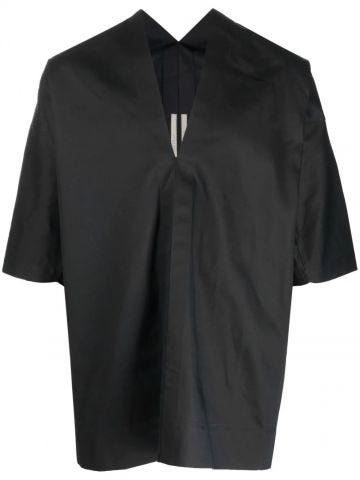Black shirt with V-neck and short sleeves