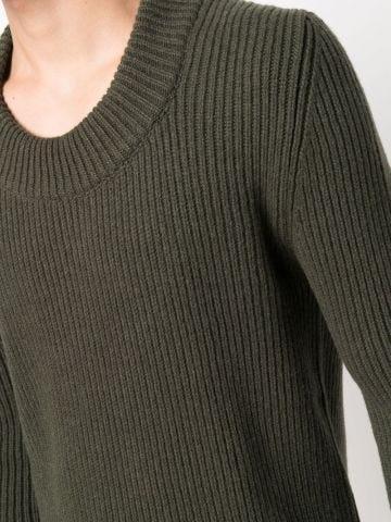 Green round-neck jumper