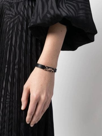 Black Opyum bracelet in smooth leather and metal