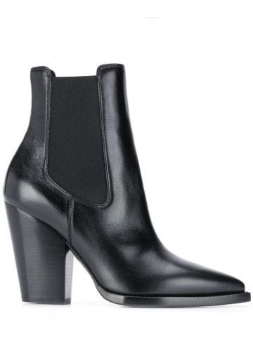 Theo chelsea boots in smooth black leather