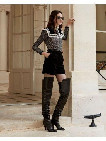 Pleated shorts in black velvet
