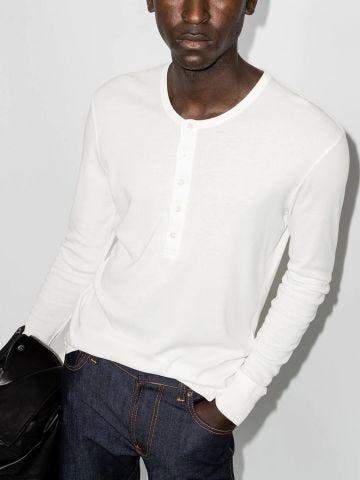 White long-sleeved T-shirt