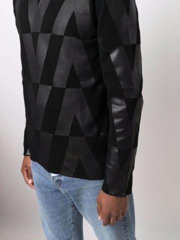 Black crew-neck jumper with print