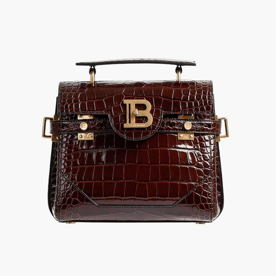 Crocodile effect  @genteroma @balmain   Balmain #BBUZZ 23 bag available on genteroma.com and in store at Via del Babuino, 77.  #GenteRoma #Balmain #FW20