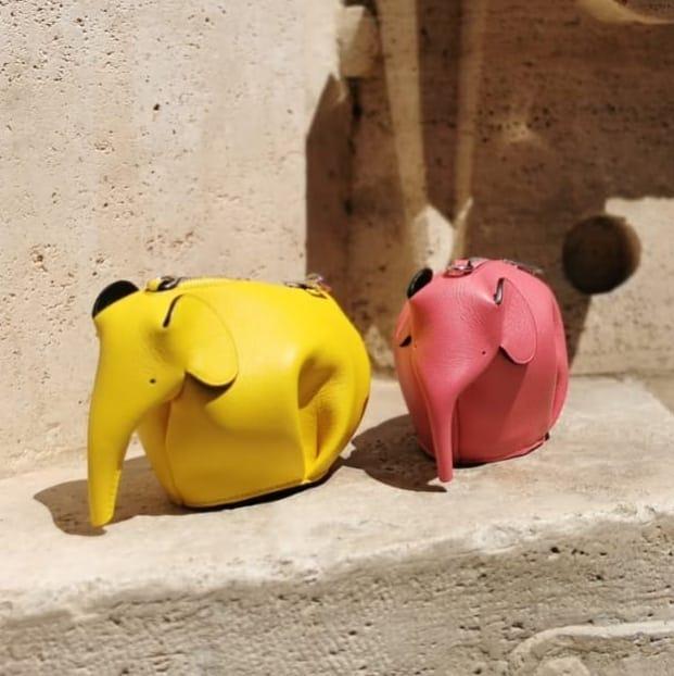 Tiny elephants @genteroma @loewe   Loewe Elephant pouches available on genteroma.com and in store at Via del Babuino, 77.  #GenteRoma #Loewe #FW21