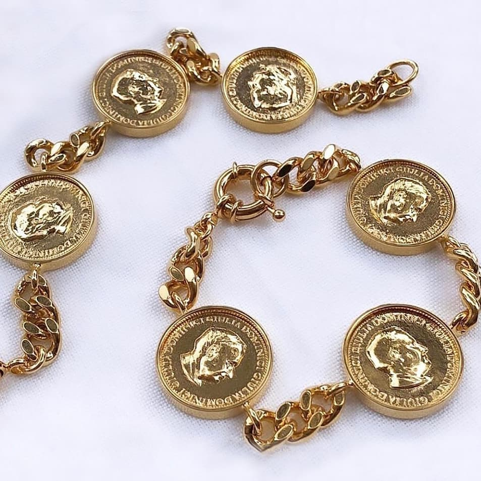 Gold coins  @genteroma @giuliadominici_   Giulia Dominici collection available in store at Via Frattina, 92 - Jewellery Area.  #GenteRoma #GiuliaDominici #SS20