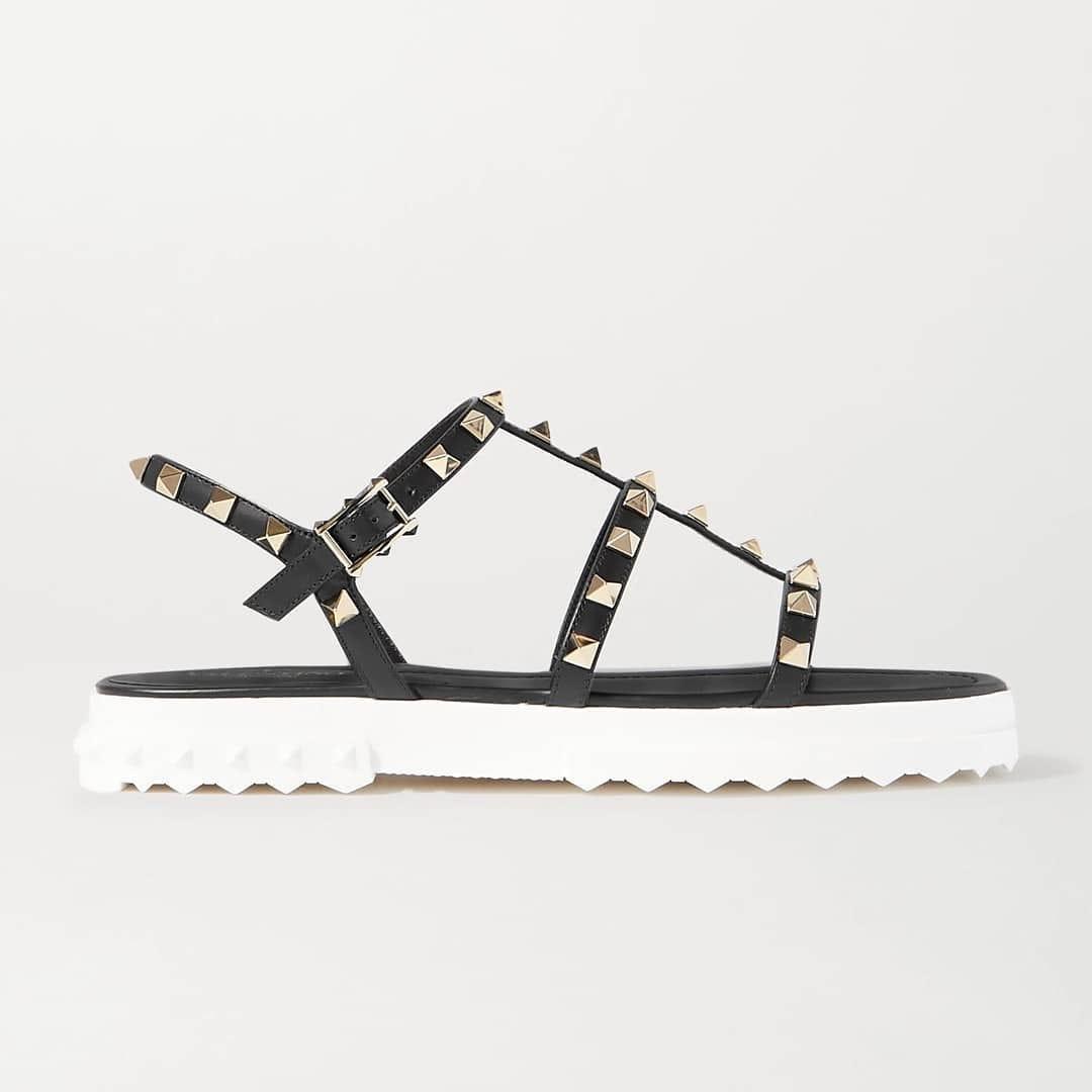 Poolside essentials @genteroma @maisonvalentino   Valentino Garavani Rockstud sandals available in store at Via del Babuino, 77.  #GenteRoma #ValentinoGaravani #SS20