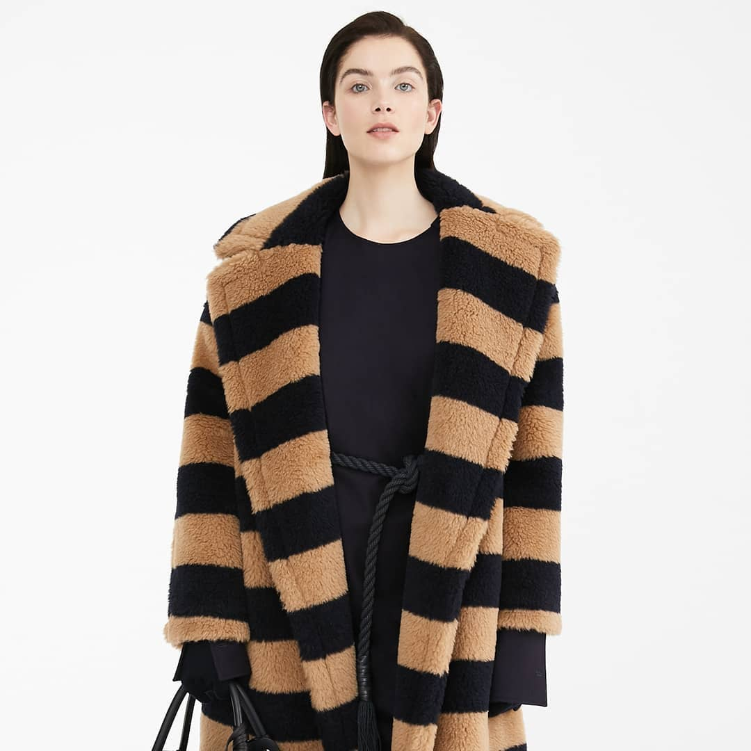 Two-tones stripes  @genteroma @maxmara   Max Mara Teddy 9 coat available on genteroma.com and in our boutiques.  #GenteRoma #MaxMara #FW20