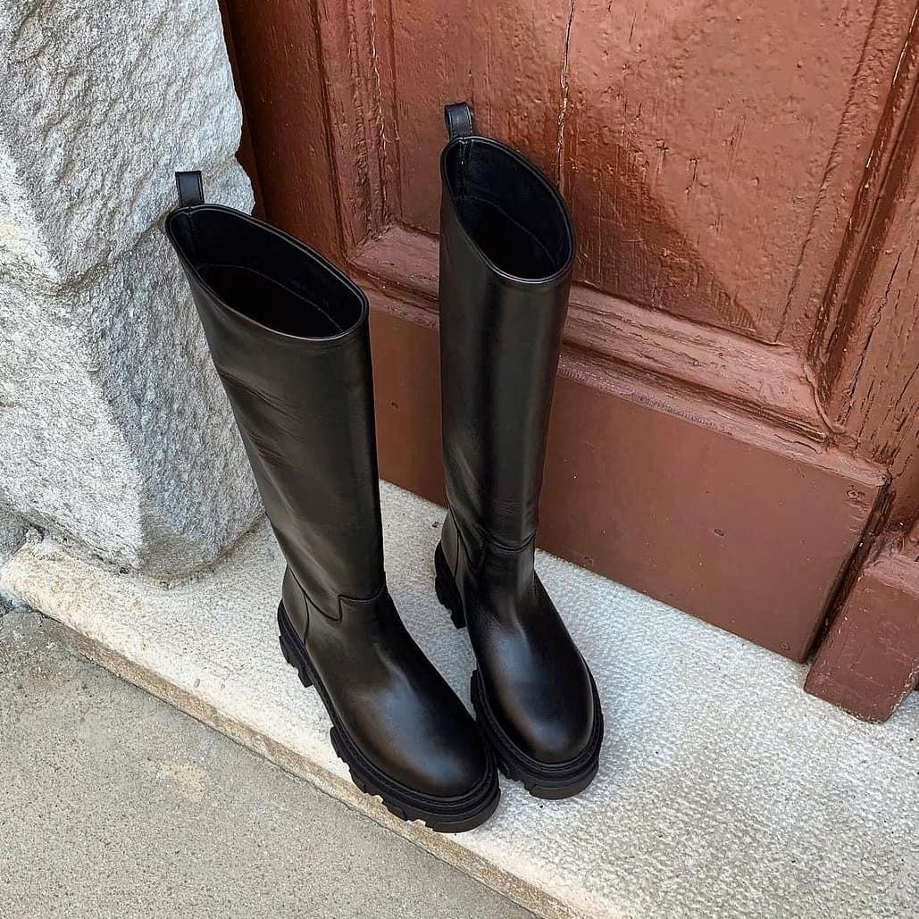 Instant icon @genteroma @giacouturefirenze   Gia Couture x @pernilleteisbaek boots available on genteroma.com and in our boutiques.  #GenteRoma #GiaCouture #giaxpernille #SS21