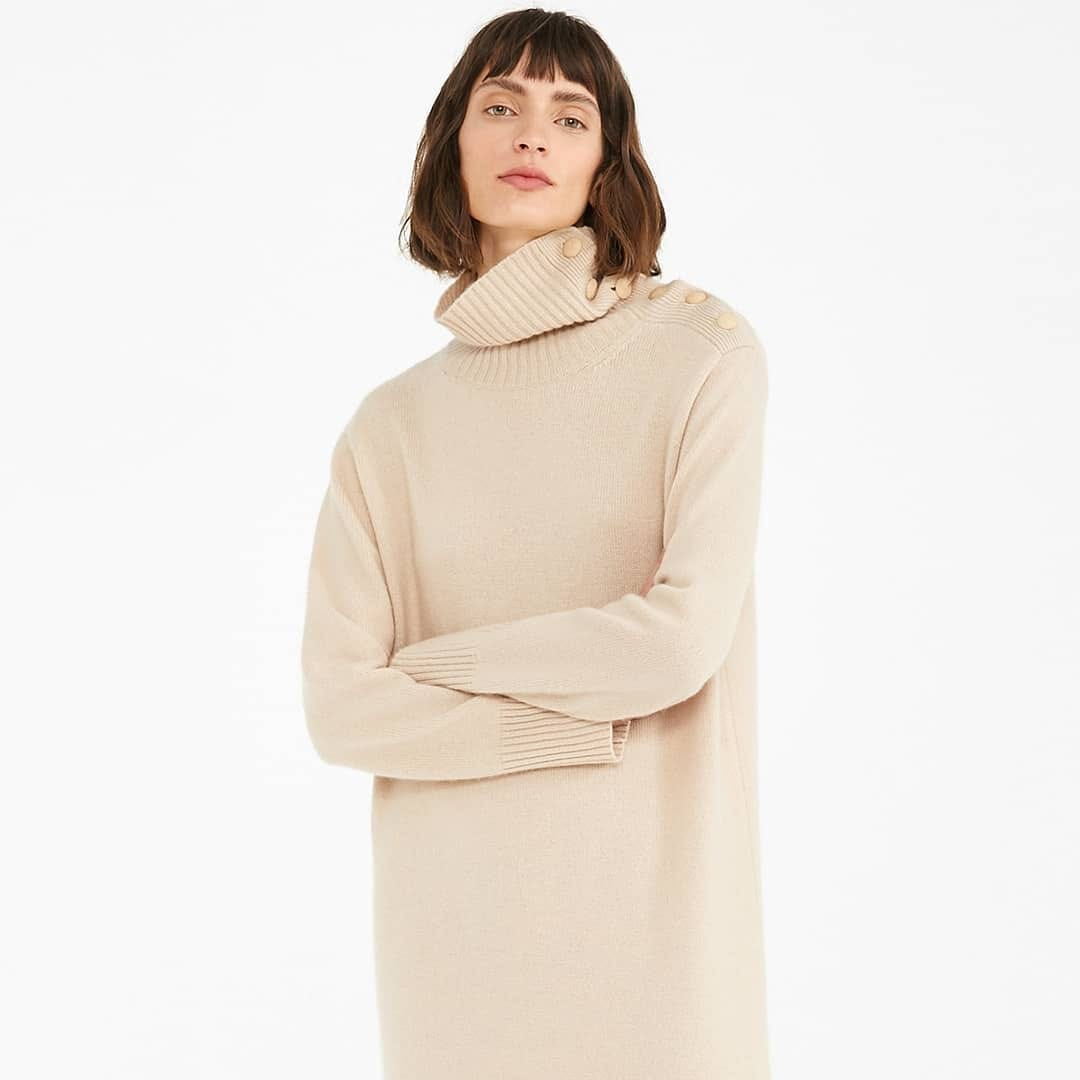 Effortlessly chic  @genteroma @maxmara   Max Mara Musa wool and cashmere yarn dress available on genteroma.com and in store at Via Frattina, 92.  #GenteRoma #MaxMara #FW20