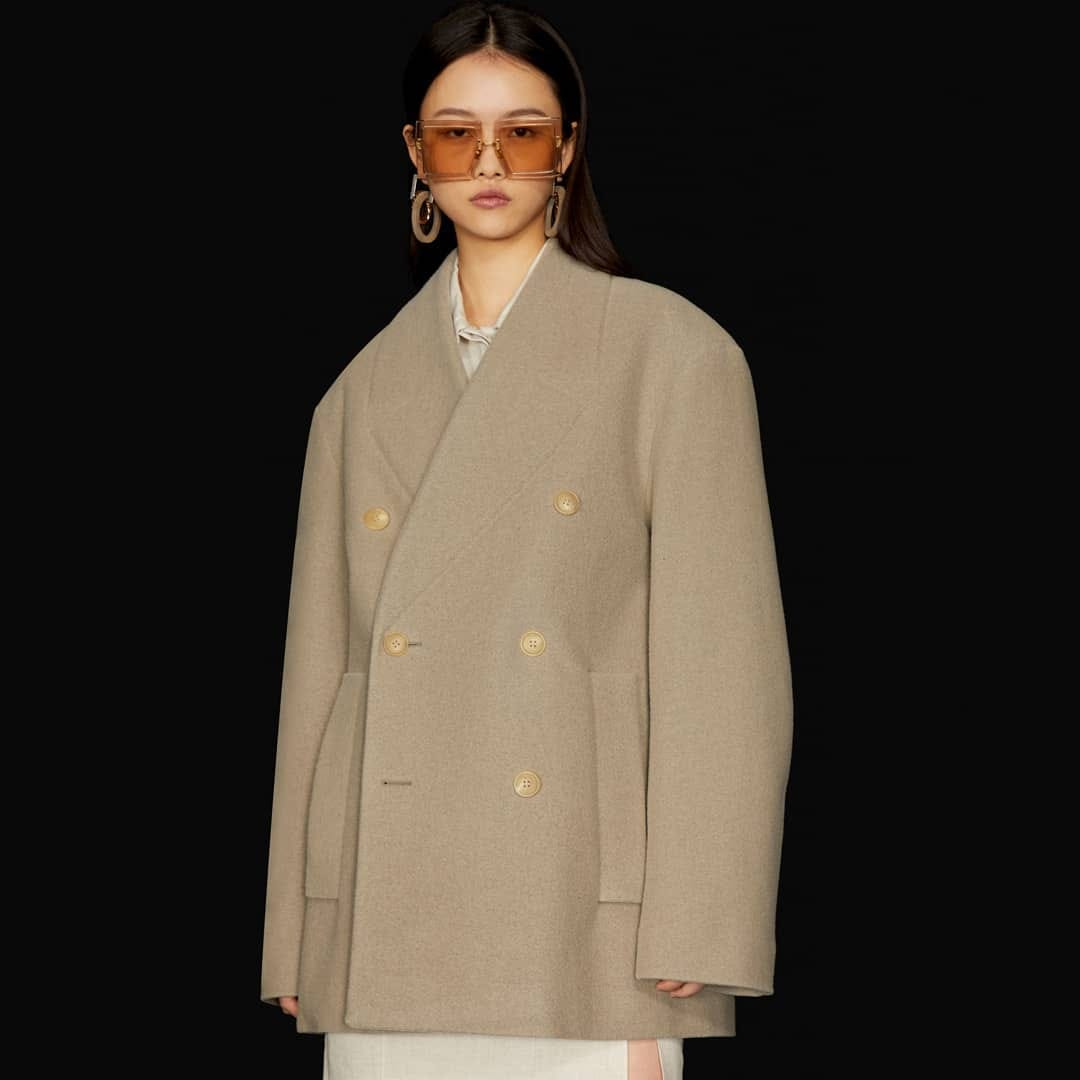 Oversized silhouette @genteroma @jacquemus   Jacquemus Le Caban peacoat available in our boutique.  #GenteRoma #Jacquemus #FW20