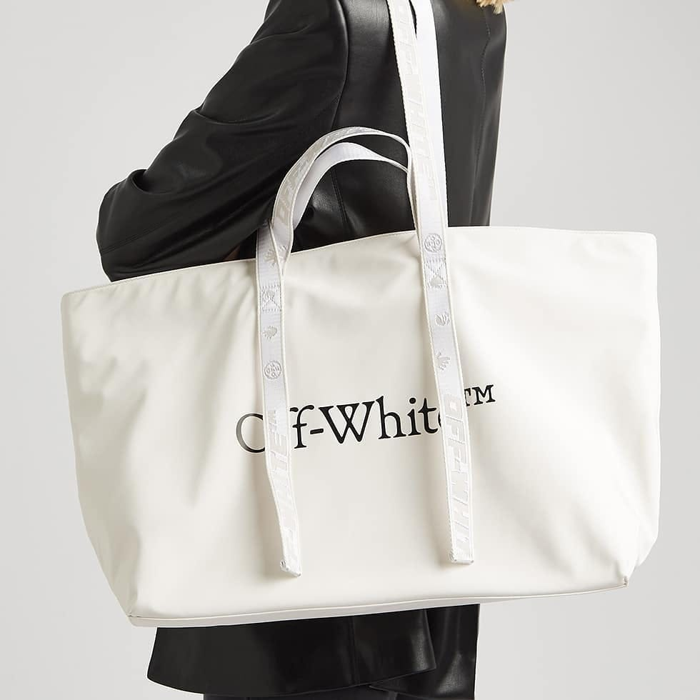 Roomy design  @genteroma @off____white   Off-White Commercial tote bag available on genteroma.com and in our boutiques.  #GenteRoma #OffWhite #SS21