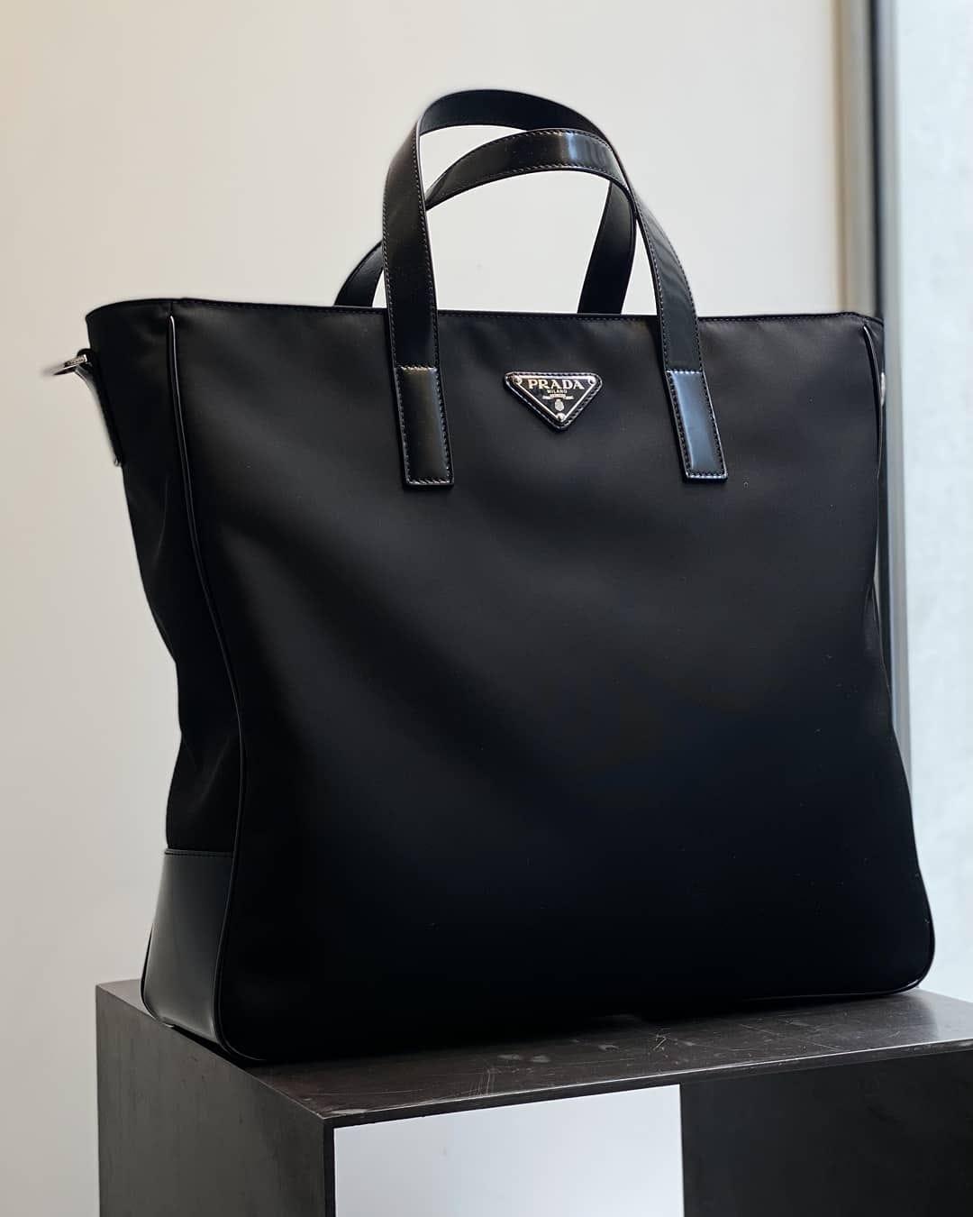 Everyday tote  @genteroma @prada   Prada Re-Nylon tote bag available on genteroma.com and in store at Via del Babuino, 185.  #GenteRoma #Prada #FW21