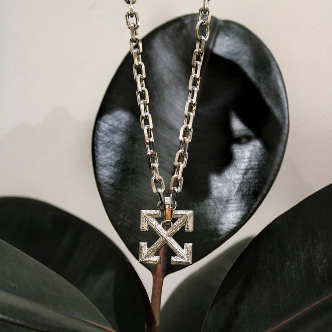 Silver Arrows @genteroma @off____white   Off-White Off Cross necklace available in store at Via del Babuino, 185.  #GenteRoma #OffWhite #FW20