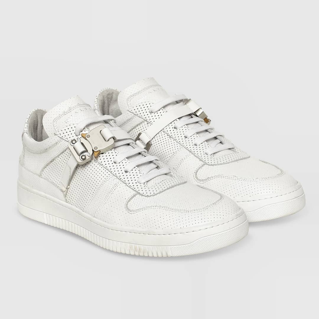 Signature sneakers Pre-order now @alyxstudio Low Buckle trainer on @genteroma   Available from 2nd October.  #GenteRoma #1017Alyx9sm #FW20 #Preorder