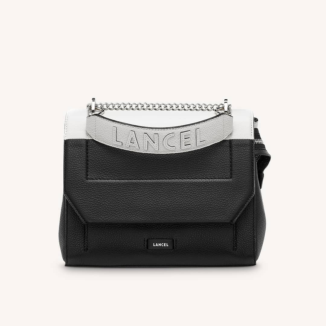 Everyday essential @genteroma @lancelparis   Lancel Ninon bag available on genteroma.com and in our boutiques.  #GenteRoma #Lancel #SS21