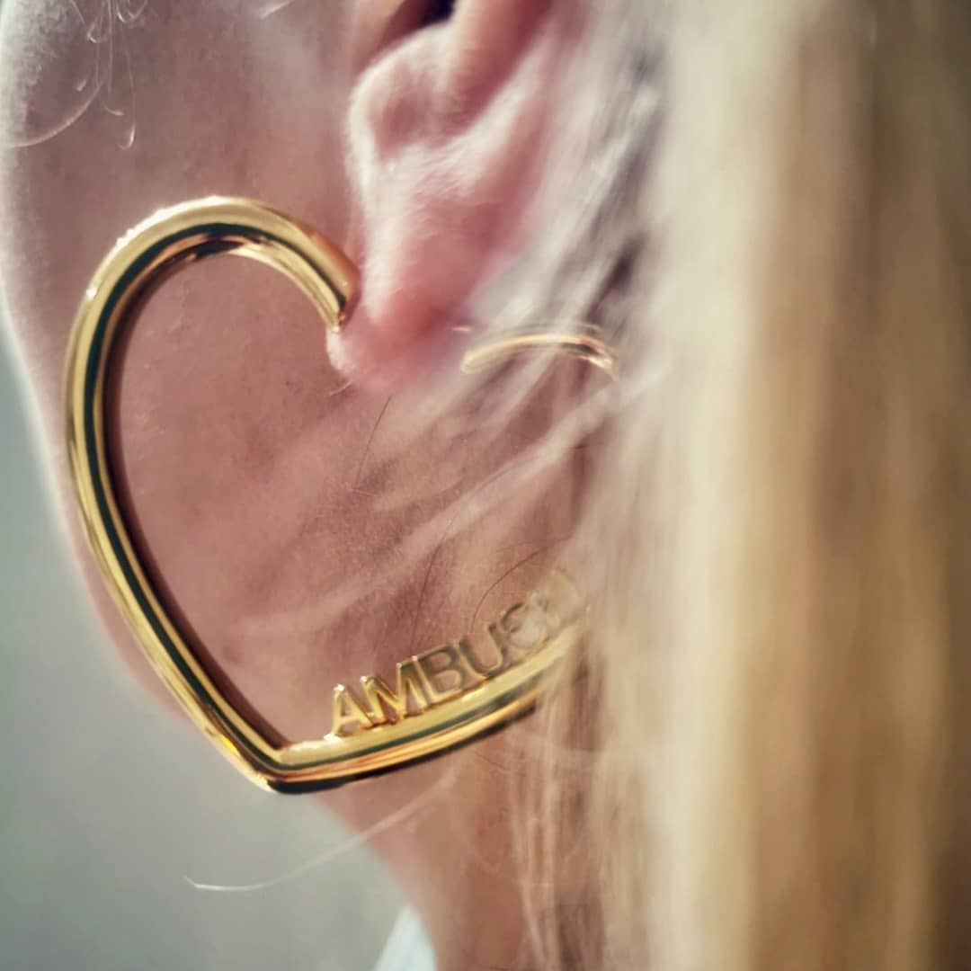 Heart hoops  @genteroma @ambush_official   Ambush Logo Heart earrings available on genteroma.com and in store at Via Frattina, 92.  #GenteRoma #Ambush #FW20