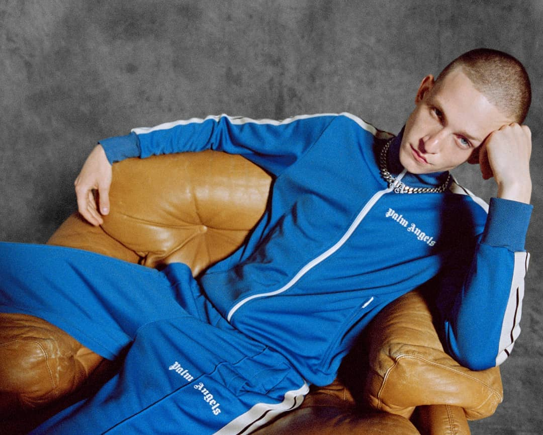 YOUTH CODES: bridging the gap between luxury and streetwear, this blue tracksuit from @palmangels is inspired by the Los Angeles skateboard scene. Discover the Fall/Winter 2021 collection on genteroma.com and in store at Via del Babuino, 185.  #GenteRoma #PalmAngels #FW21