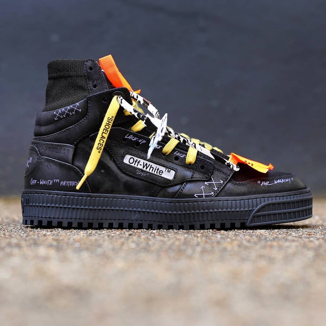 Signature codes @genteroma @off____white   Off-White Off-Court 3.0 sneakers available on genteroma.com and in store at Via del Babuino, 185.  #GenteRoma #OffWhite #FW20