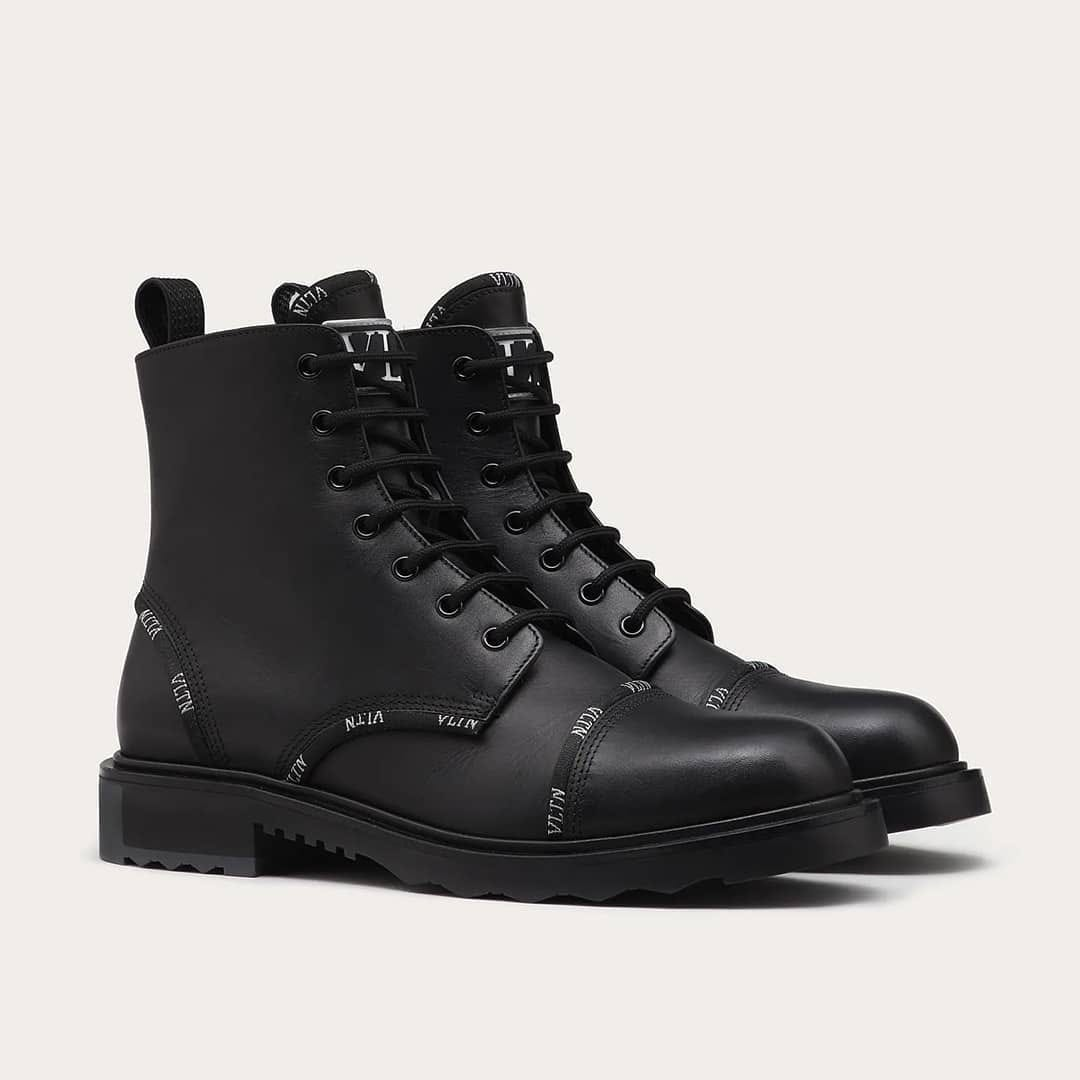 Luxe elevation  @genteroma @maisonvalentino   Valentino Garavani #VLTN Combat boots available on genteroma.com and in store at Via del Babuino, 185.  #GenteRoma #ValentinoGaravani #FW20
